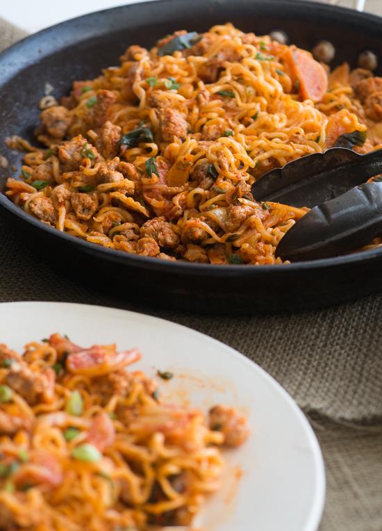 pork-noodle-stir-fry-recipe-with-kimchi-3