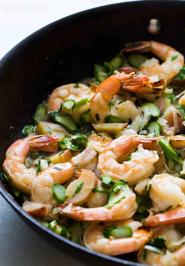 skillet-shrimp-asparagus