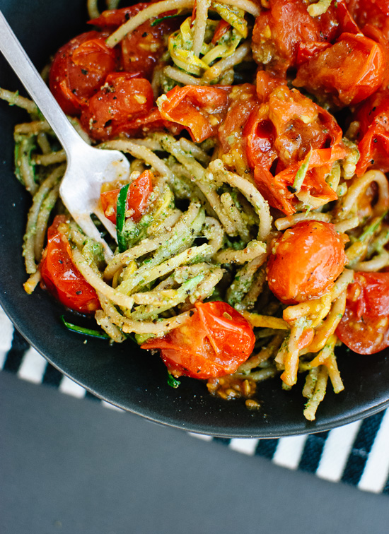 vegetarian-pesto-squash-noodles-and-spaghetti-with-burst-cherry-tomatoes
