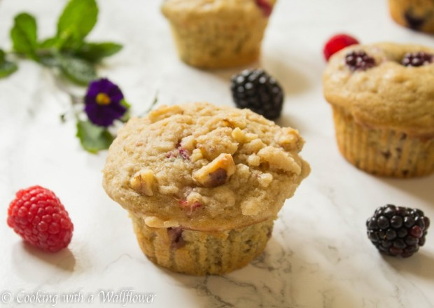 Mixed-Berry-Buttermilk-Muffins