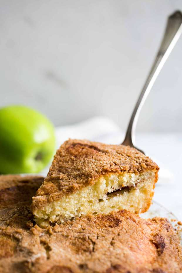 apple-coffee-cake-vertical-a-1800